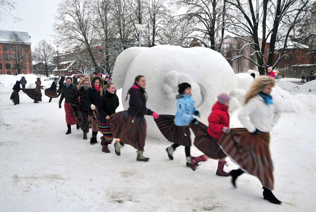 Jääpurikafestivaliga Jõgeval tähtisati 20. sajandi Eesti külarekordi esimest juubelit