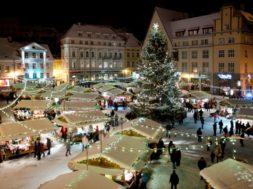 Raekoja-platsil-avatakse-Jõuluturg.jpg
