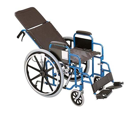 Noored kutsuvad osa saama ratastoolis inimeste elust
