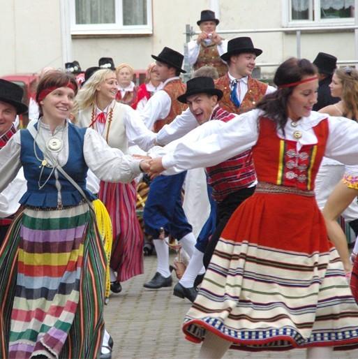 """XX Võru Folkloorifestivali """"Lugu"""" passid jõudsid müüki"""