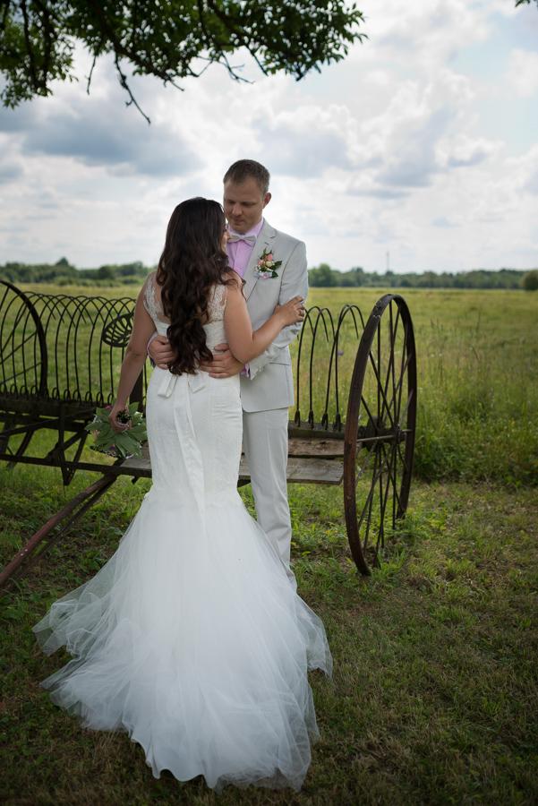 Noor rätsep alustas imelise pulmakleidiga