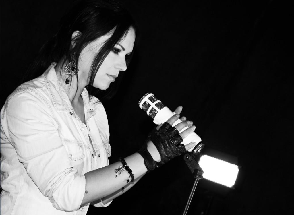 Võluv Ketlin Sulli teeb nauditavat muusikat ja kirjutab laulusõnu