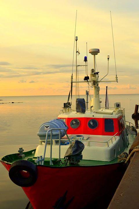 Purtse merepäästjad seadsid politseilt saadud vana kaatri töökorda