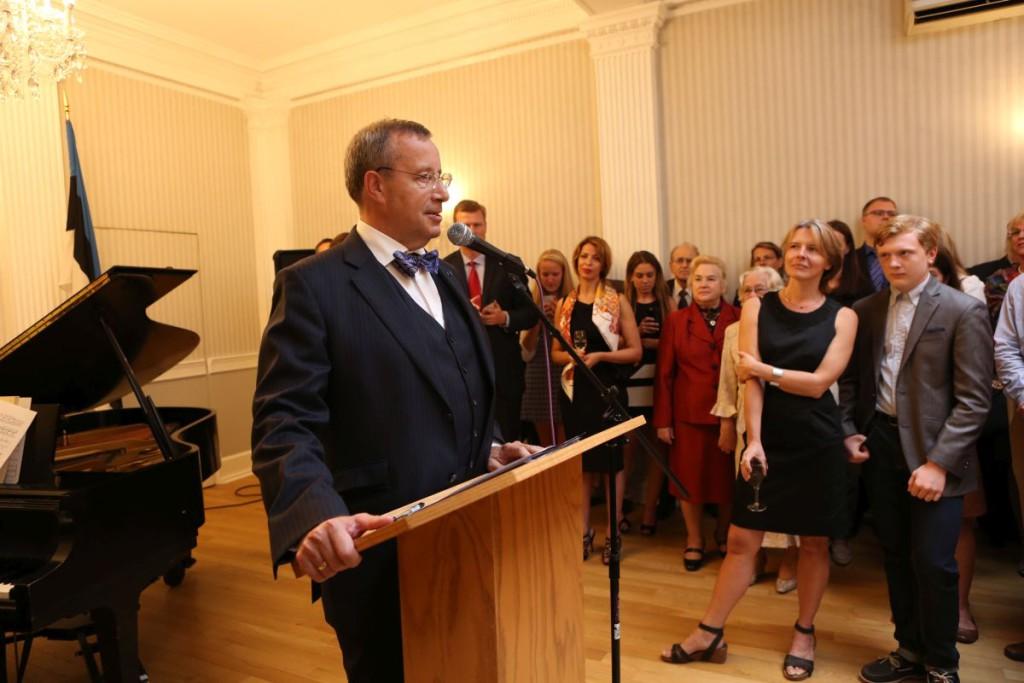 President Ilves kohtus New Yorgi Eesti Majas kohaliku eestlaskonnaga