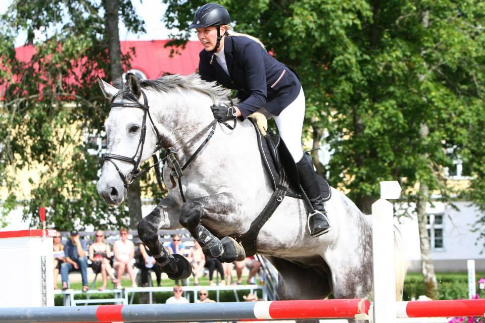 Pärnumaa neiu Eleri Kiveste on kokku kasvanud oma hobuste ja ratsaspordiga