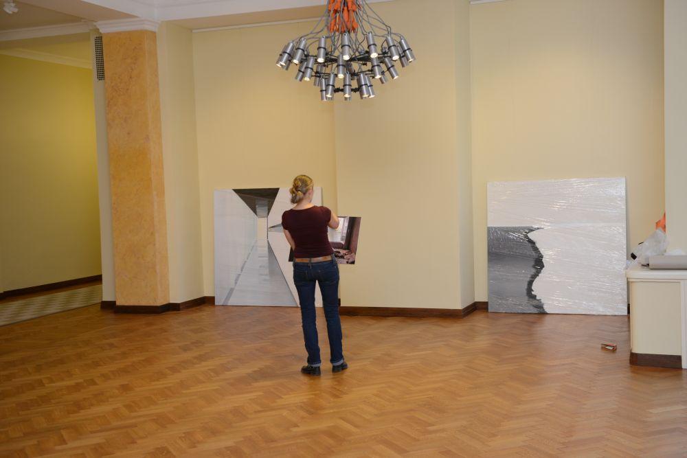 """Riigikogus avatakse maale ja fotosid siduv näitus """"Valge maja"""""""