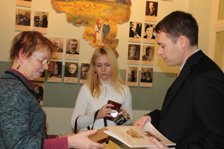 VAATA GALERIID! Valgamaad külastas USA pressi- ja kultuuriatašee Brad Hurst