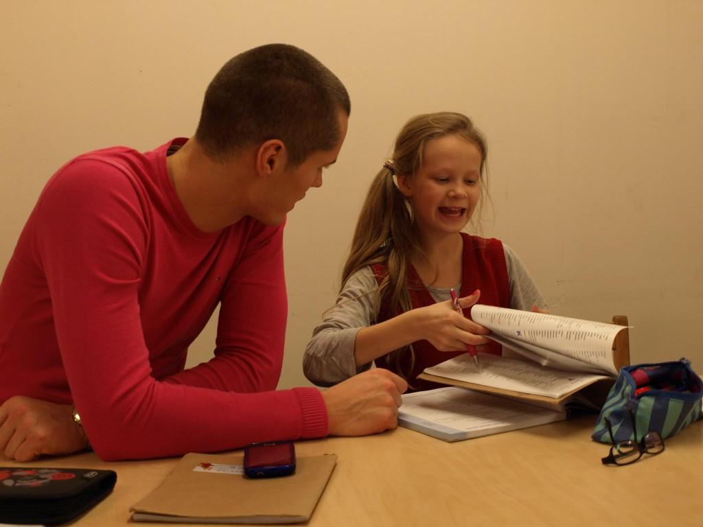 Tallinnas avati isata laste päevakeskus