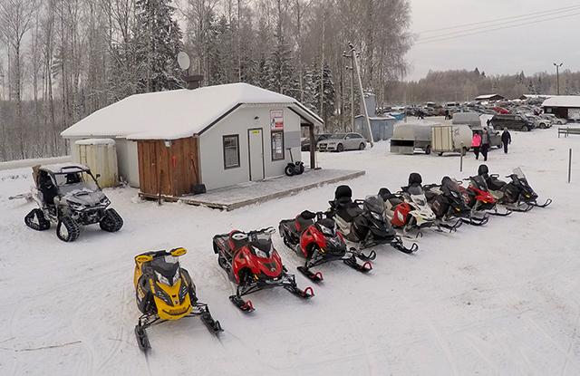 Talvepealinnas Otepääl on avatud avalik mootorkelgurada