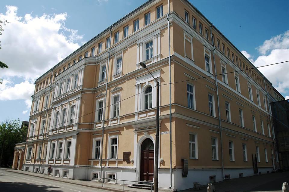 Tartu Jaan Poska Gümnaasium tähistas võidukat emakeelenädalat