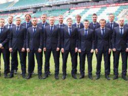 Eesti-jalgpallikoondis-riietati-eritellimusena-valminud-Baltmani-ülikondadesse.jpg