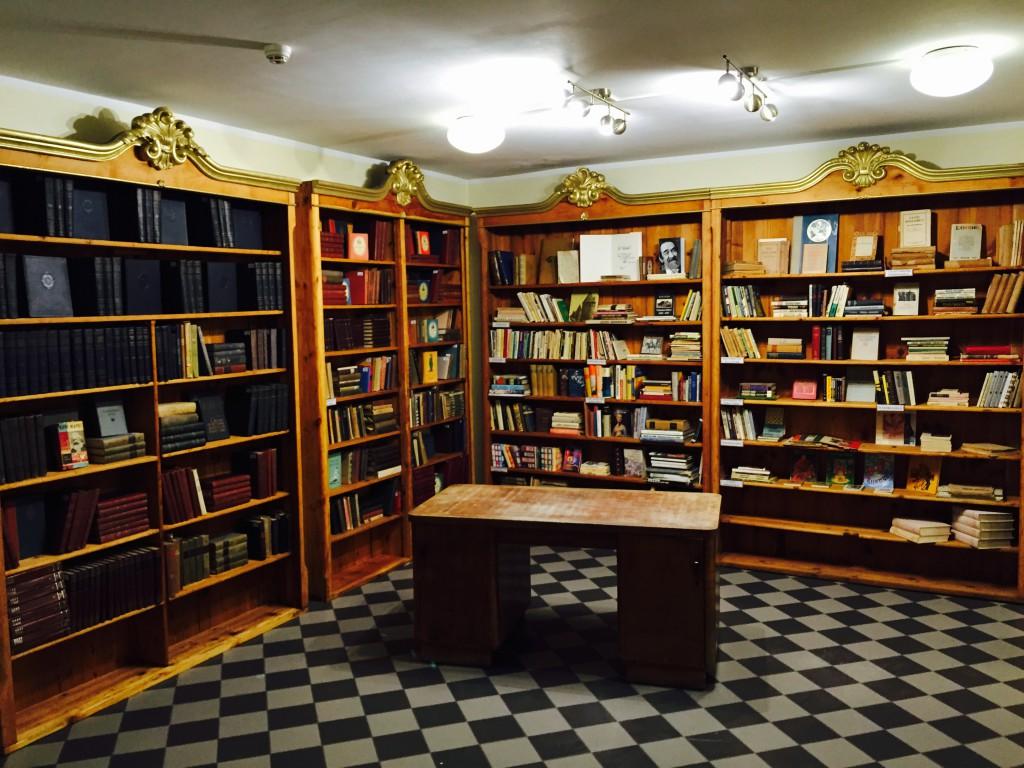 Gustav Adolfi Gümnaasium sai omale Hardi Tiiduse raamatukogu