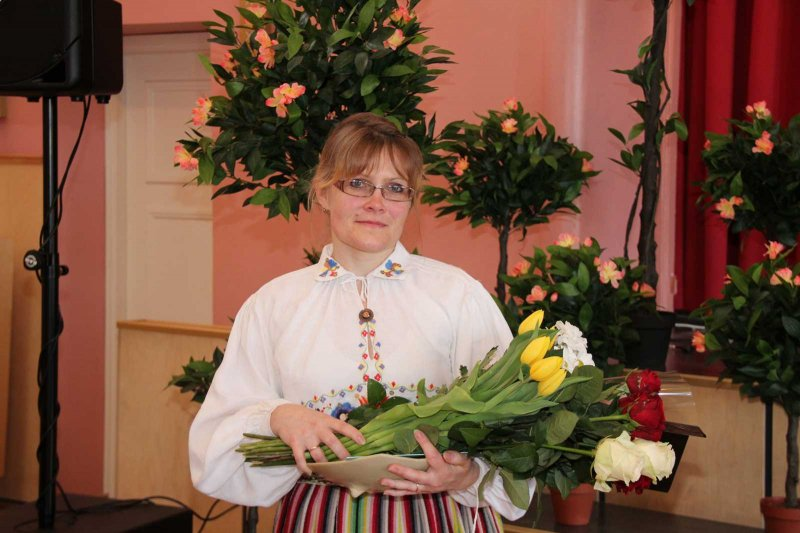 GALERII! Otepää Naisselts valis aasta emaks Krista Sumbergi