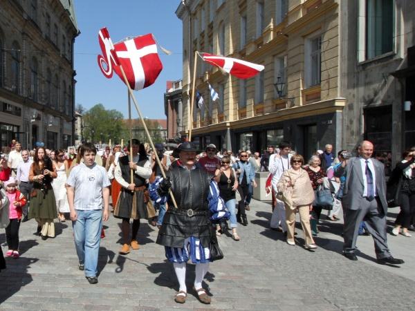 Reedel avatakse Raekoja platsil pidulikult Tallinna päev