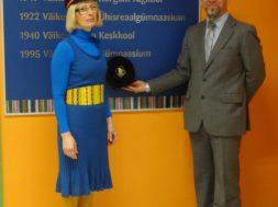 Väike-Maarja-gümnaasium-pani-nimepäeval-kooli-loo-seinale-ja-pidas-konverentsi-Ilve-Tobreluts.jpg