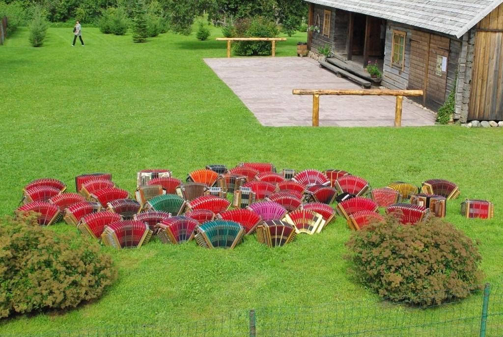 27. juunil toimub Pärna puhkekülas järjekordne Viljandimaa Lõõtspillipäev