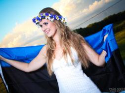 Eesti-lipuga1.jpg