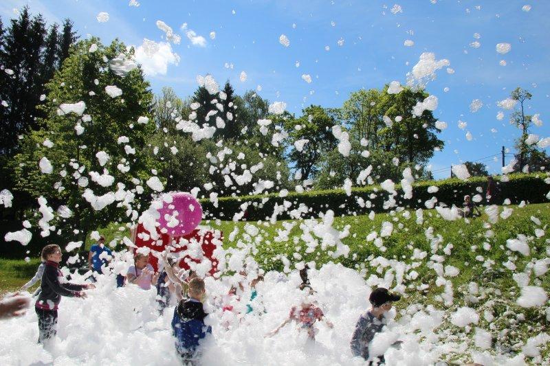 FOTOD! Otepää valla lapsed lustisid lastekaitsepäeval vahupeol