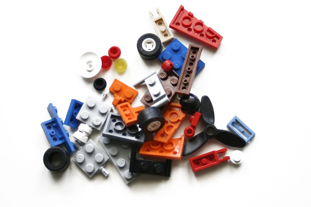 Täna ehitavad isad ja lapsed TTÜ Mektory uues laboris legoroboteid