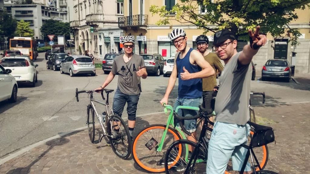 Sinimustvalge alustas jalgratastel teekonda EXPO-le