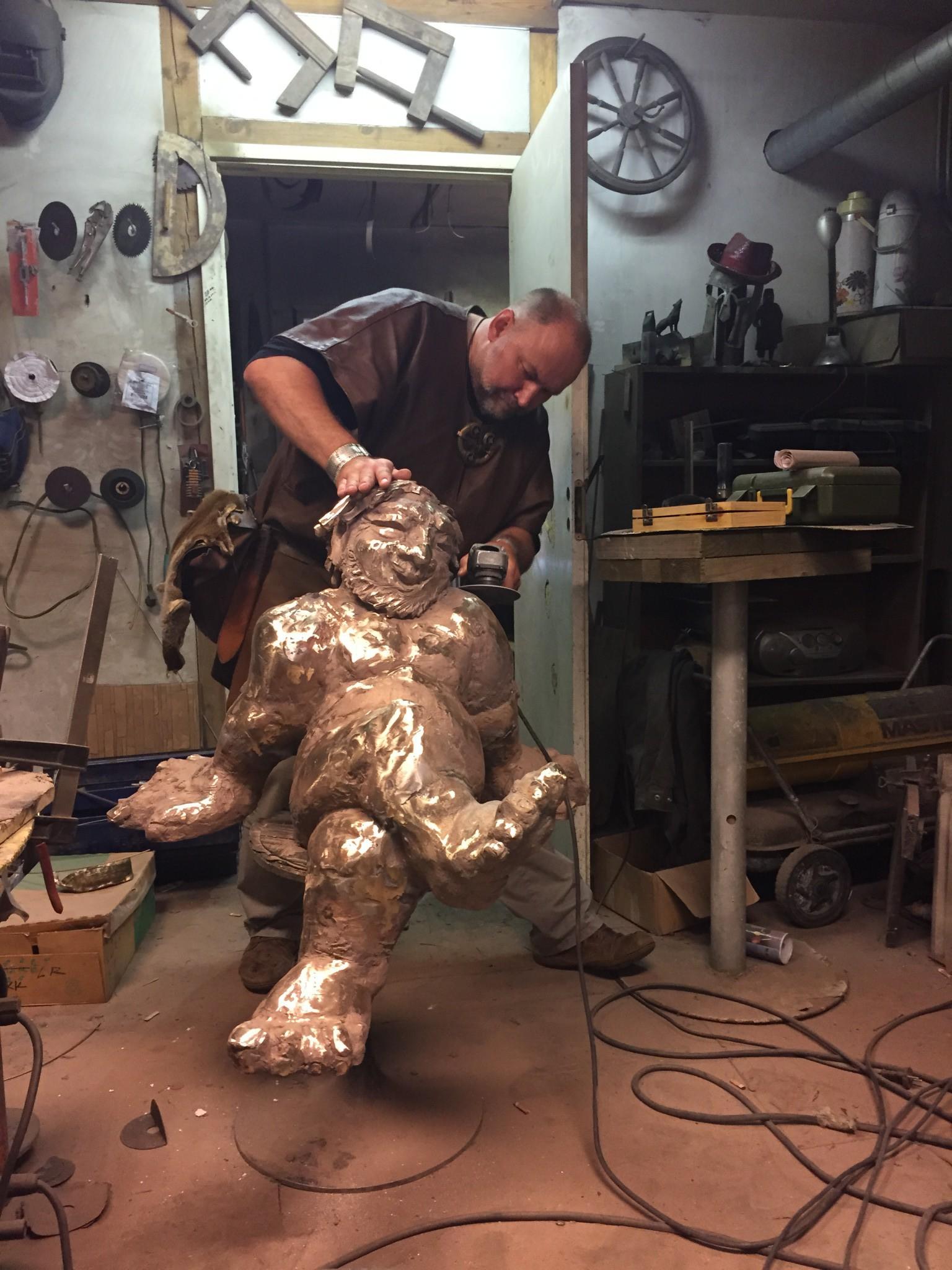 Viimsi Keskuse Selverit hakkab ilmestama Tauno Kangro skulptuur