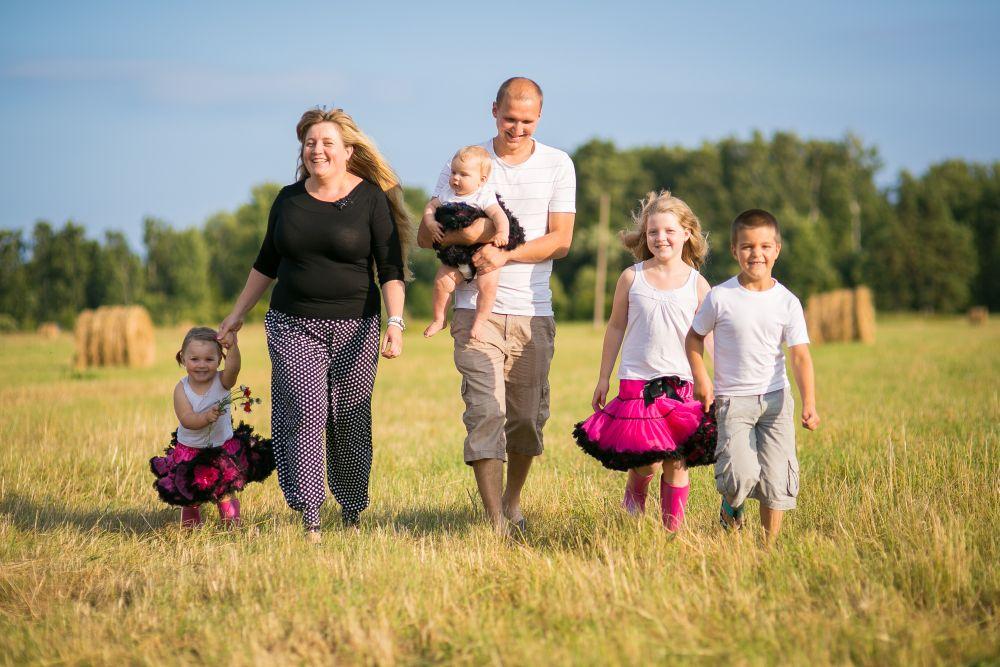 Kredex toetab vähekindlustatud lasterikkaid peresid 3 miljoniga