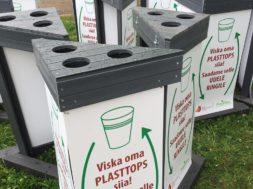 Viljandi-folgil-kogutud-plasttopsidest-saavad-liivakastid.jpg