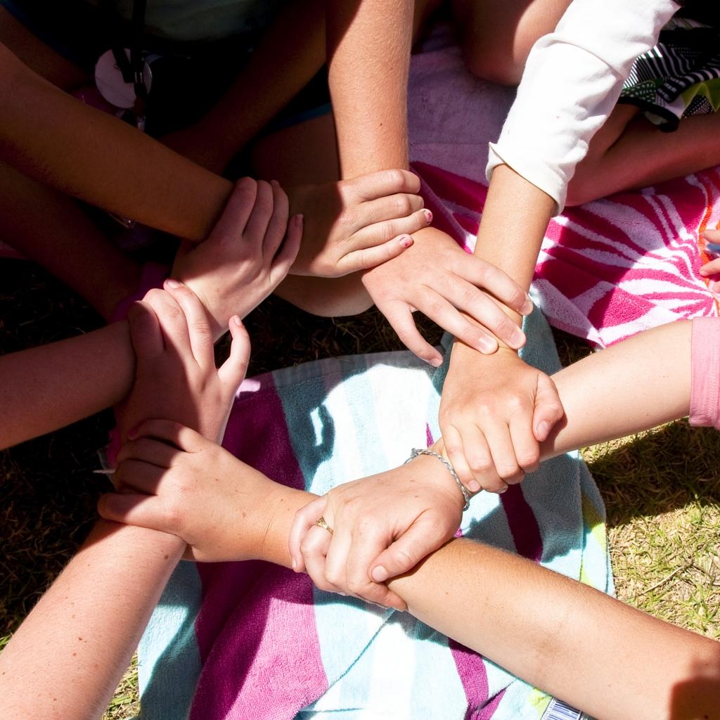 VAJAME KÕIK POSITIIVSET KOOSTÖÖVAIMU! Koolikiusamise ennetamine on tõhus, kui kooli ja kodu vahel valitseb positiivne koostöövaim