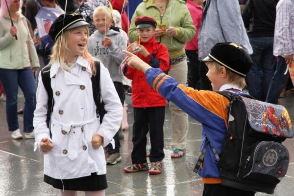 AABITSAPIDU TALLINNAS! Kooliaasta algab taas Vabaduse väljakul Aabitsapeoga
