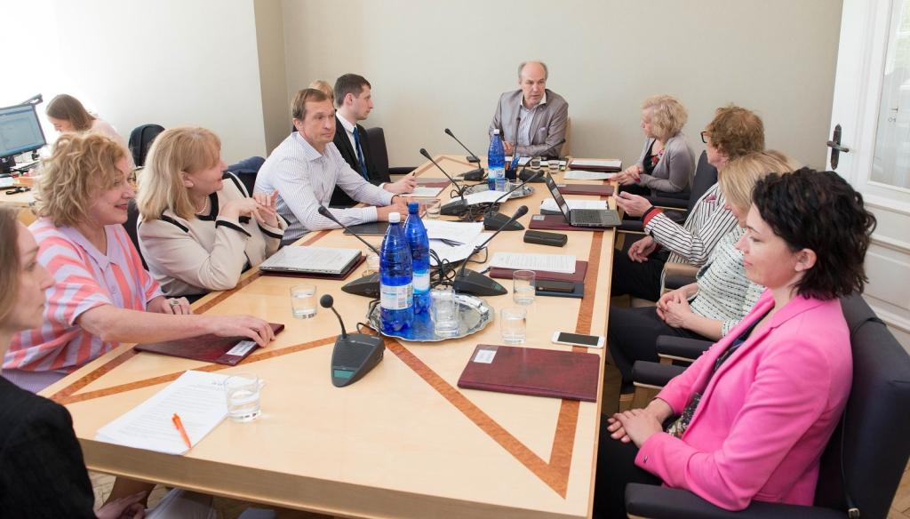 Sotsiaalkomisjon külastab Pärnu haiglat ja lasteküla