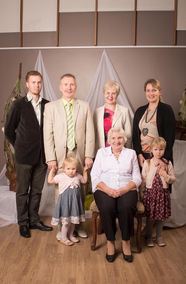 Valgamaa aasta isa kandidaat ja Otepää valla aasta isa 2014 Heiki Must perega  Foto: Anastasia Nääme
