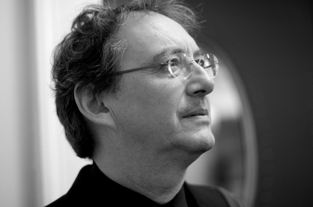 """KOLMEKORDNE GRAMMY NOMINENT! Dirigent Peter Phillips toob Eesti publikuni 500 aasta vanuse """"Maavärina missa"""""""