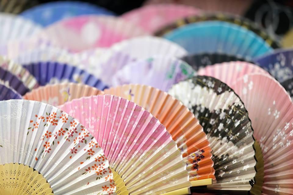 PÜHAPÄEVAL! Esimene jaapanipärane uusaastaturg toob kireva meelelahutusprogrammi