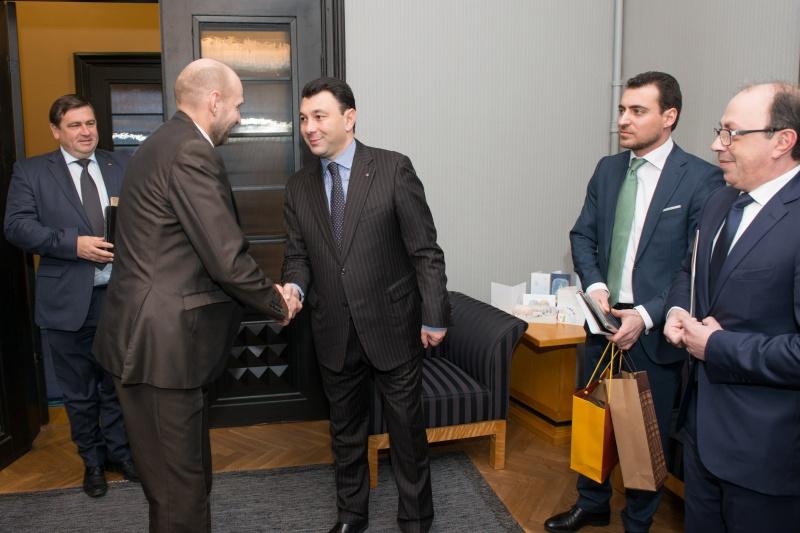 FOTOD! Seeder ja Raidma kohtusid Armeenia parlamendi asespiikriga