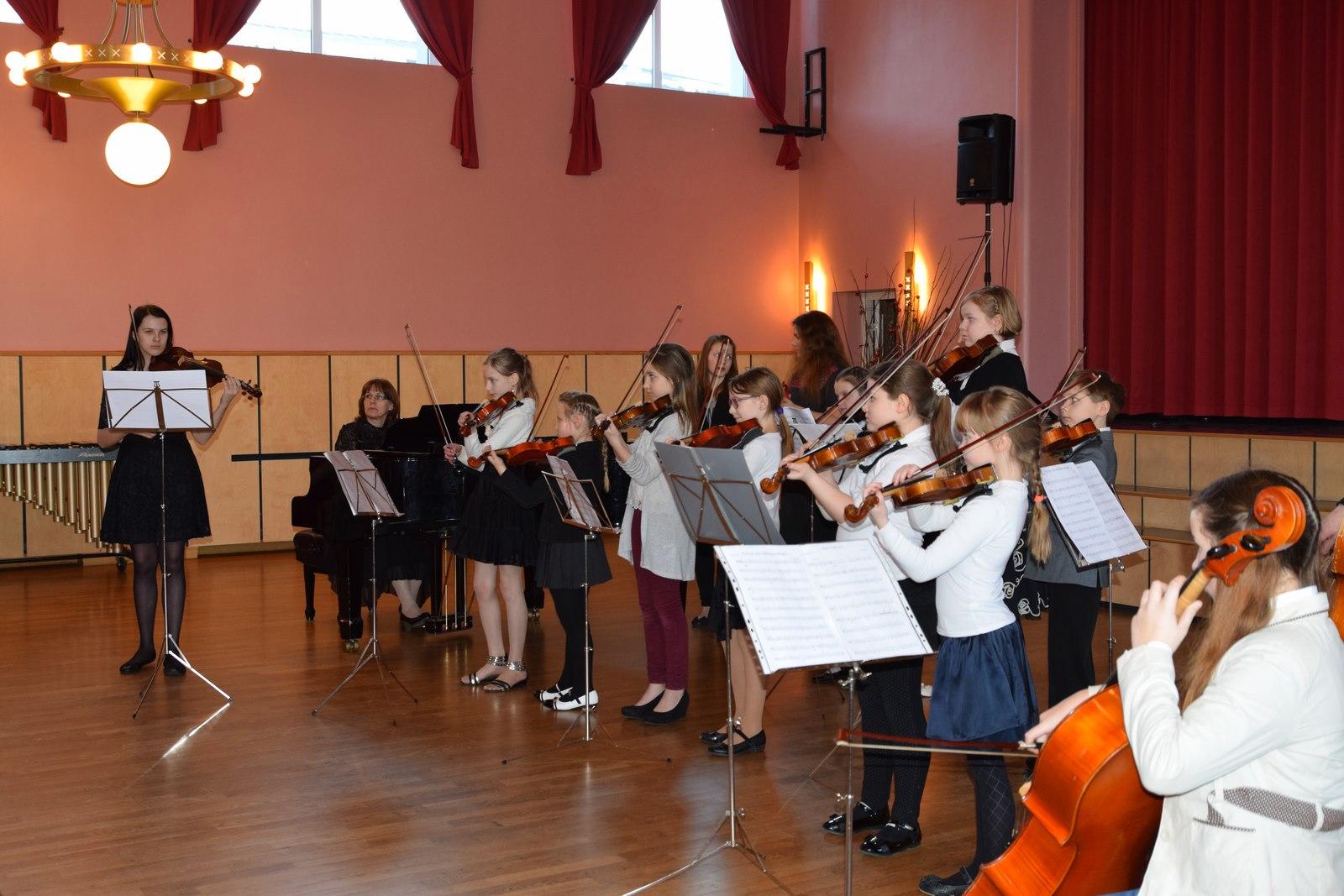 Põlva Muusikakooli õpilased musitseerimas 2015. aasta Anu Kase ansamblimuusika päeval Foto: Tuuli Vaher