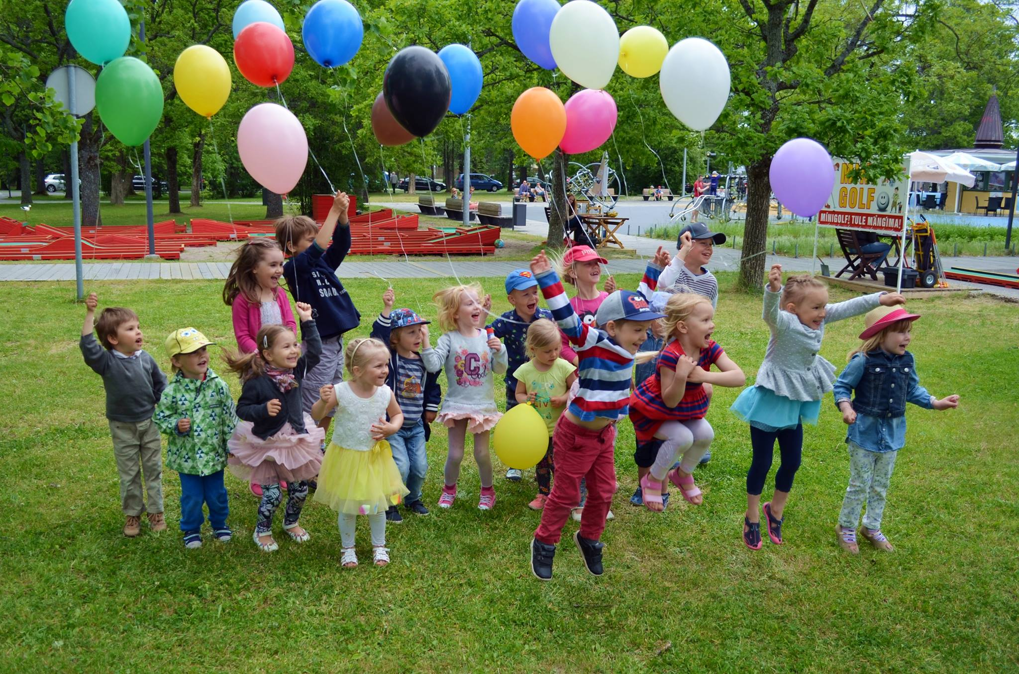 RÕÕMSATE LASTE FESTIVAL! Suvel toimub Pärnus esimene kogupere üritus Rõõmsate Laste Festival