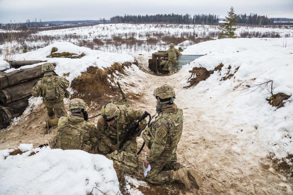 LIITLASED EESTIS! Ameerika sõdurid pidasid talvist laskelaagrit