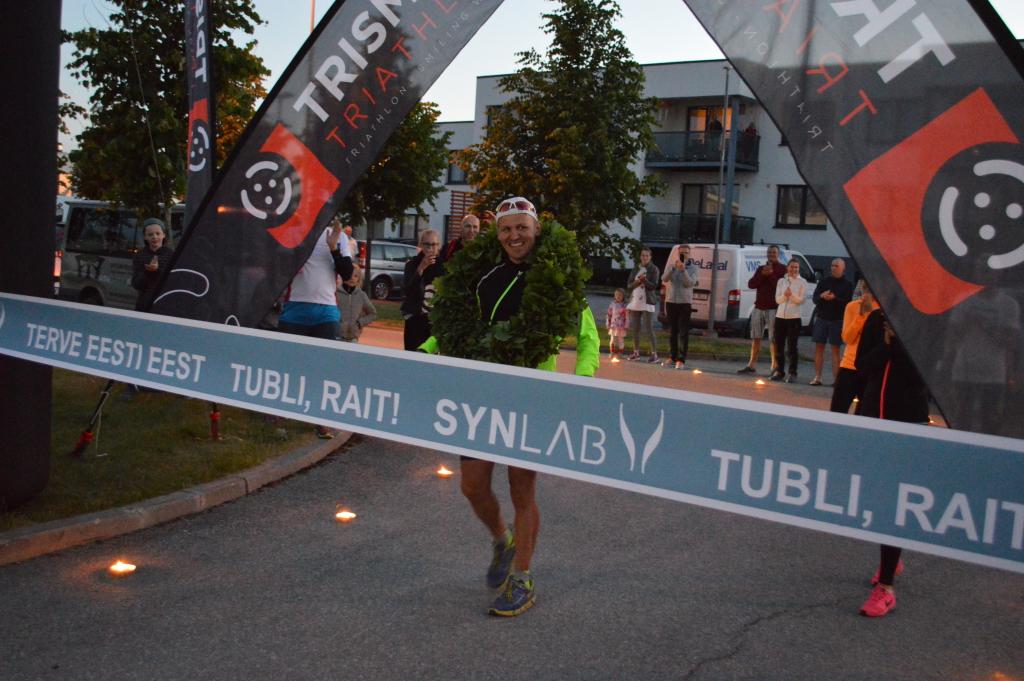 VAATA VIDEOT! Rait Ratasepp ületas ultratriatloni finišijoone