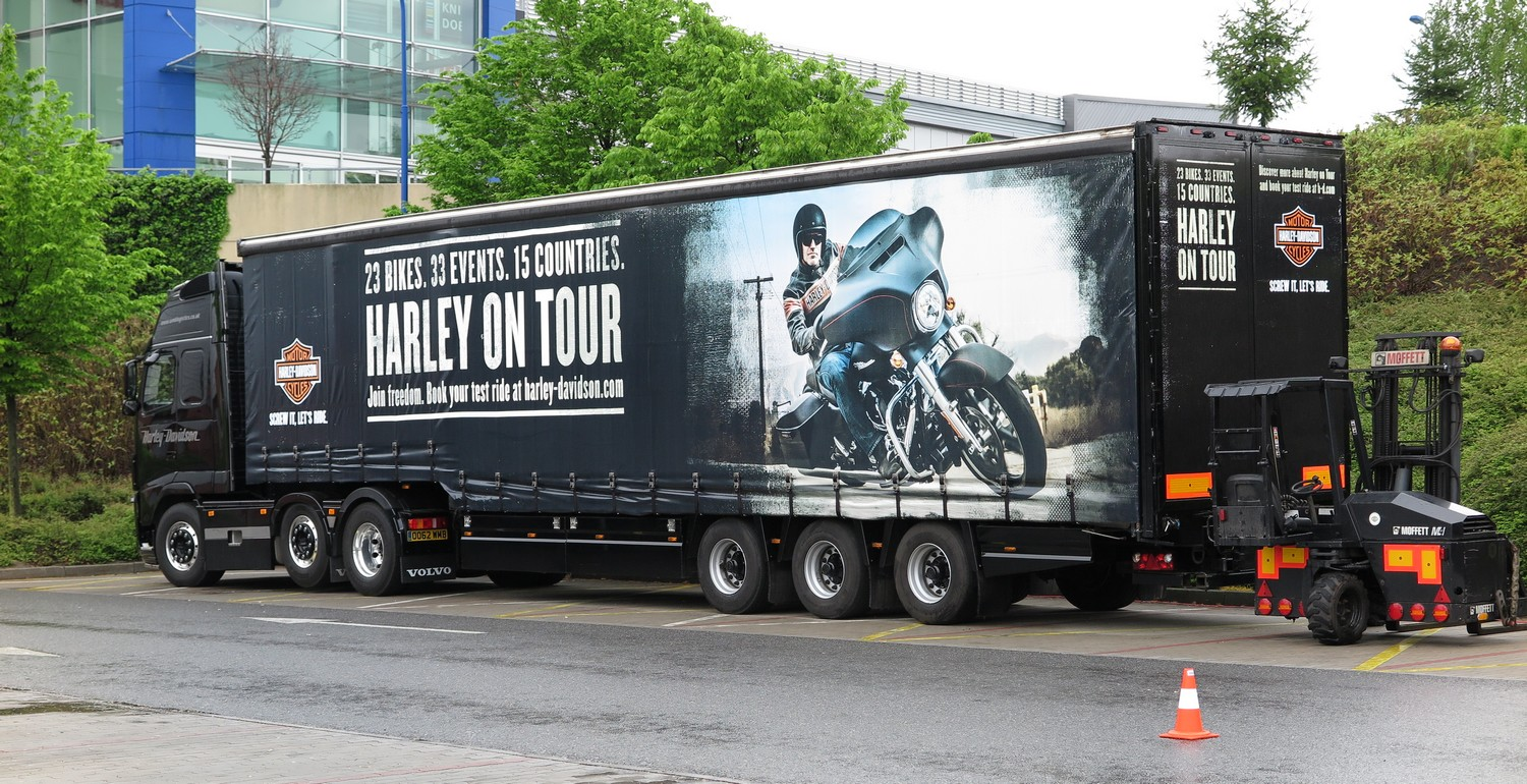 Harley on Tour_demo truck