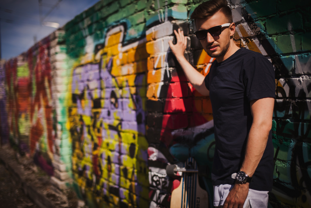 LOE INTERVJUU! Artjom Savitski uuest singlist: lugu räägib üllatusmomentidest elus
