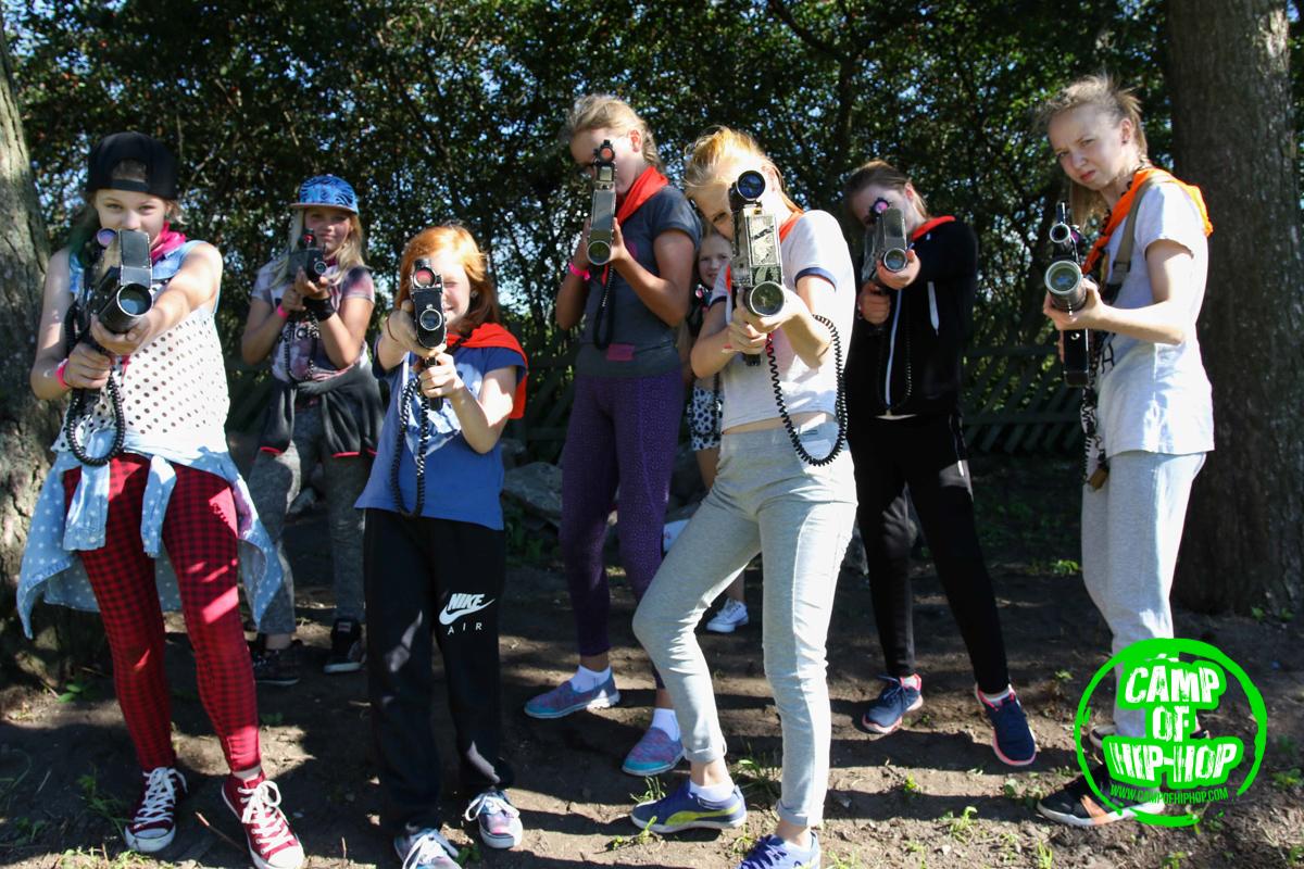 VIDEO! Tantsunoored pidasid Camp of Hip-Hop laagris maha Tähesõdade väärilisi laserlahinguid
