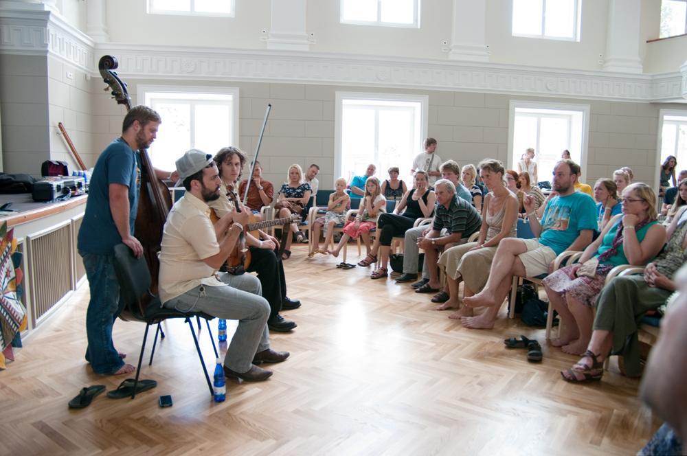 VILJANDI PÄRIMUSMUUSIKA FESTIVAL! Viljandi pärimusmuusika festivali programmis leidub ka lai õpitubade valik