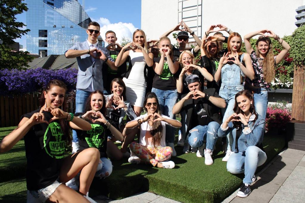 UKSED AVATAKSE KÕIGILE! JJ-Street Tantsukool alustab verivärsket hooaega näidistrennidega