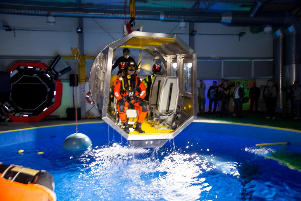FOTOD! Tallinnas avati moodne bassein helikopteri päästeõppusteks