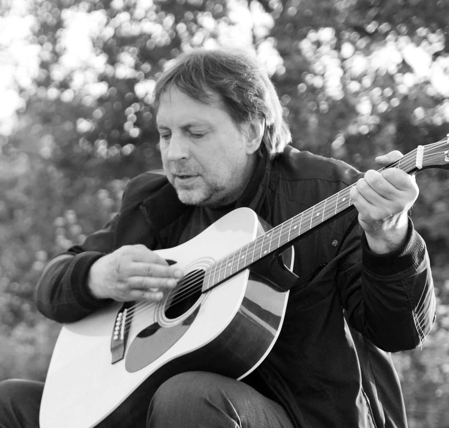 """Muusik Henry Laks: Kuhjavere kontserti peamõtet tasub otsida laulust """"Kus asub küla"""""""
