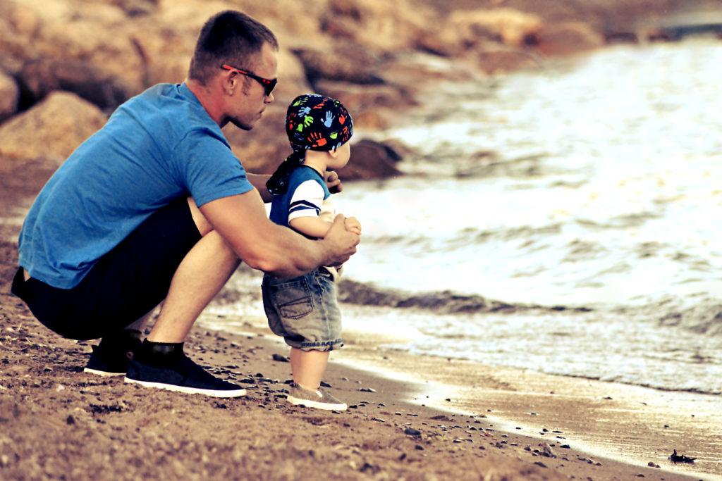 Issi õpetab maailma avastama- esimest korda näen merd Foto: Katrin Kasesalu