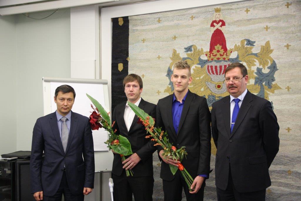 TUNNUSTUS! Tallinn premeerib maailmameistrist veemotosportlast Sander Sarlinit ja tema treenerit