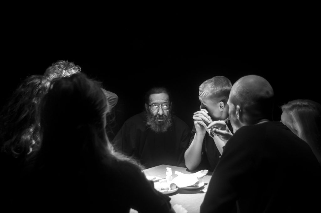"""Vilde Lokaalis esietendub Musta Kasti ja Peeter Volkonski uuslavastus """"Kangelased"""""""