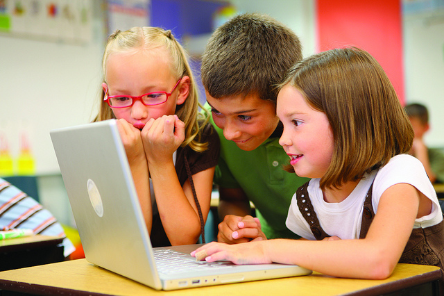 Vahva võimalus! KoodiTunni kampaania otsib külalisõpetajaid