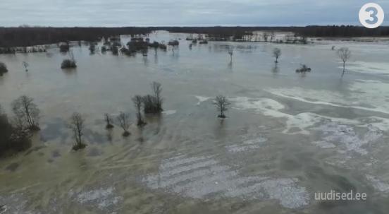 VIDEO! Soomaa pakub peegelsiledat jääväljakut ja kaunilt talvist vaatemängu